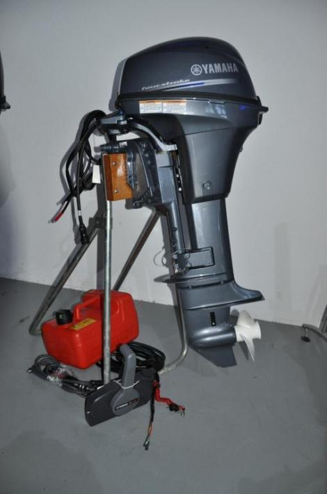 Yamaha F8FEL